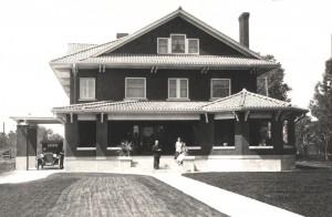 ES - House 1917